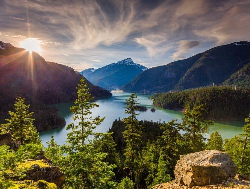 explore the mountains of washington state as a travel nurse